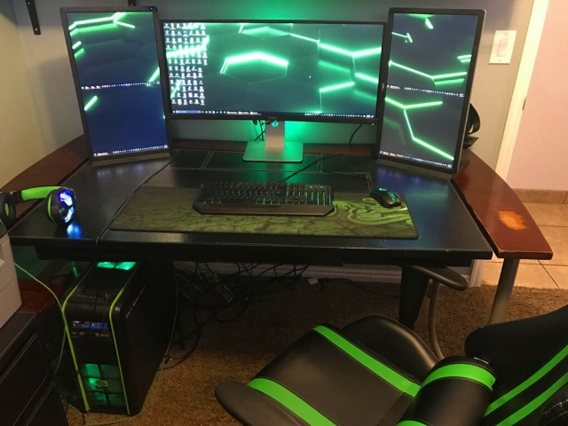 PC_Desk_UltlaWideMonitor20_46.jpg
