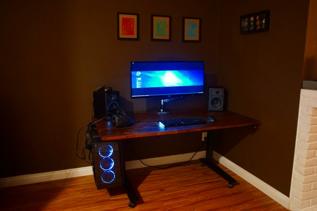 PC_Desk_UltlaWideMonitor20_48.jpg