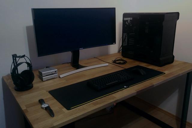 PC_Desk_UltlaWideMonitor20_73.jpg
