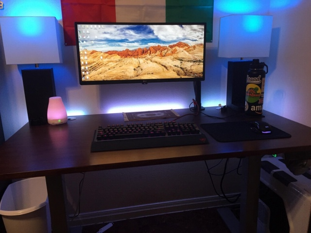 PC_Desk_UltlaWideMonitor21_19.jpg