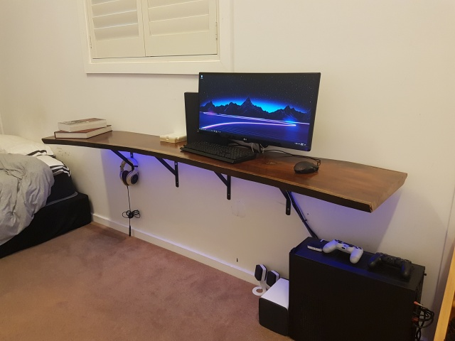 PC_Desk_UltlaWideMonitor21_44.jpg