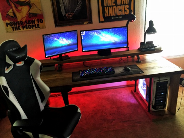 PC_Desk_UltlaWideMonitor21_60.jpg