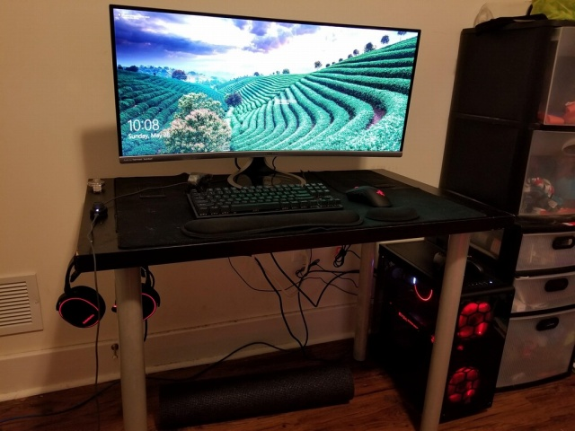 PC_Desk_UltlaWideMonitor22_23.jpg