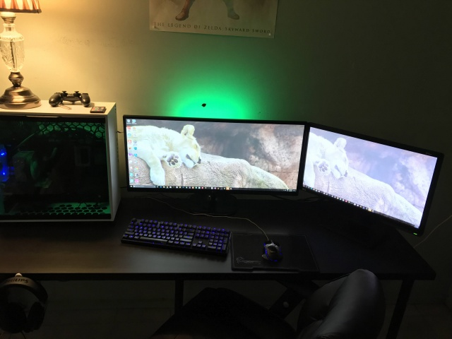 PC_Desk_UltlaWideMonitor22_36.jpg