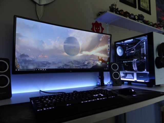PC_Desk_UltlaWideMonitor22_49.jpg