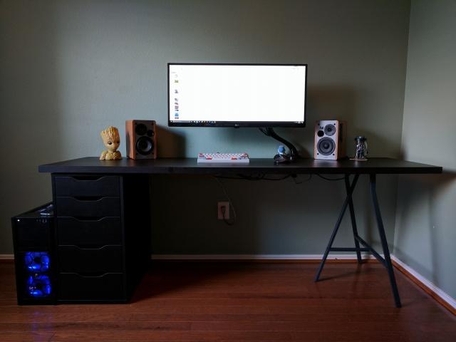 PC_Desk_UltlaWideMonitor23_09.jpg
