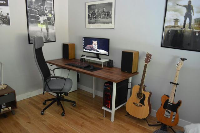 PC_Desk_UltlaWideMonitor23_36.jpg