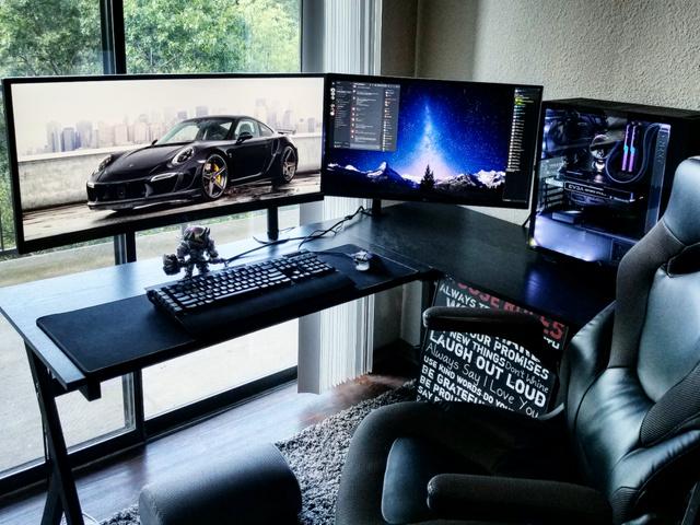 PC_Desk_UltlaWideMonitor23_52.jpg