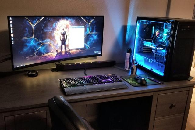 PC_Desk_UltlaWideMonitor23_53.jpg