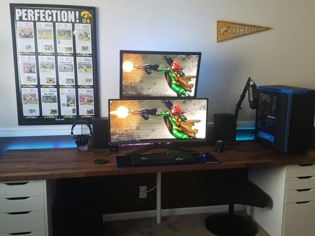 PC_Desk_UltlaWideMonitor23_55.jpg