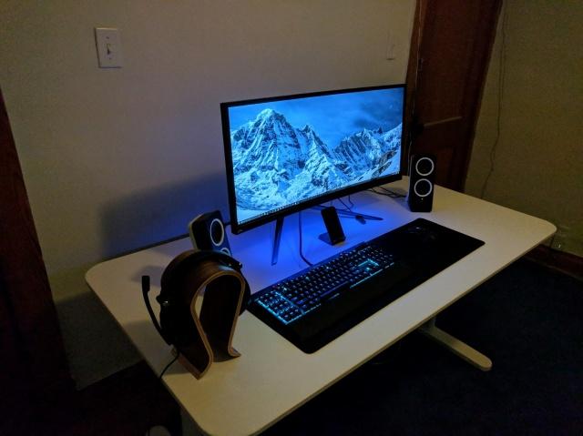 PC_Desk_UltlaWideMonitor23_65.jpg