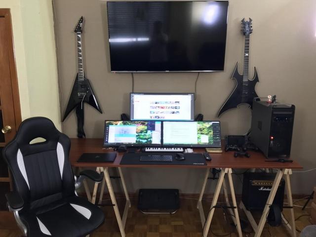 PC_Desk_UltlaWideMonitor23_71.jpg