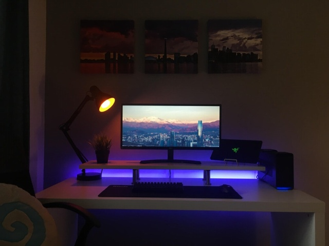 PC_Desk_UltlaWideMonitor24_26.jpg