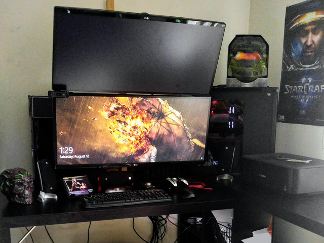 PC_Desk_UltlaWideMonitor24_44.jpg