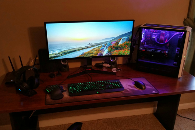 PC_Desk_UltlaWideMonitor25_65.jpg