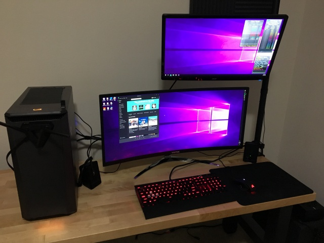 PC_Desk_UltlaWideMonitor25_93.jpg
