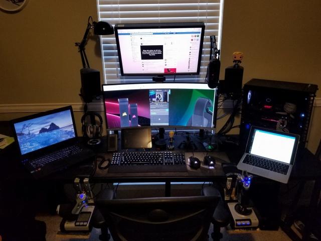 PC_Desk_UltlaWideMonitor26_01.jpg