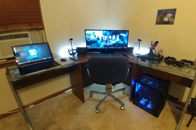 PC_Desk_UltlaWideMonitor26_22.jpg