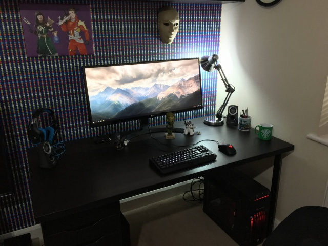 PC_Desk_UltlaWideMonitor26_33.jpg