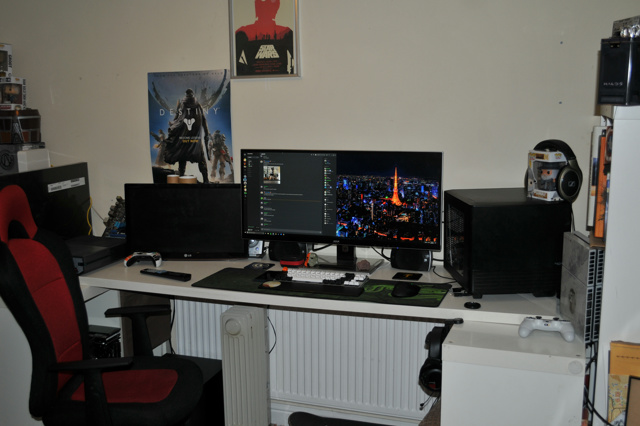 PC_Desk_UltlaWideMonitor26_36.jpg
