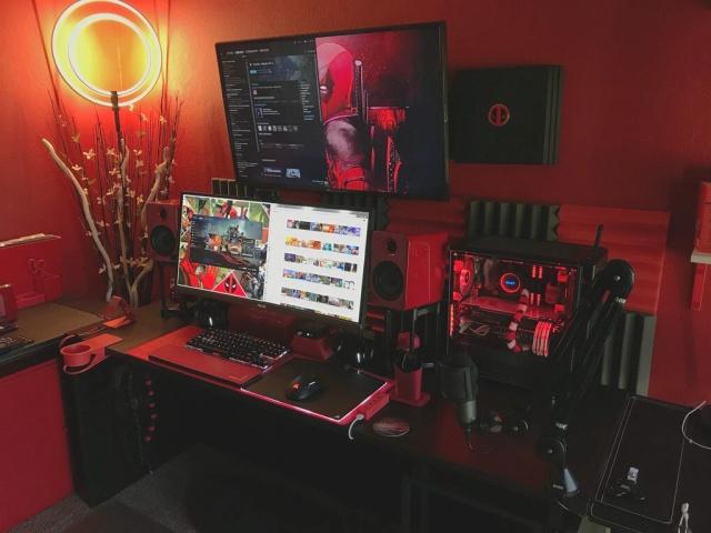 PC_Desk_UltlaWideMonitor26_37.jpg