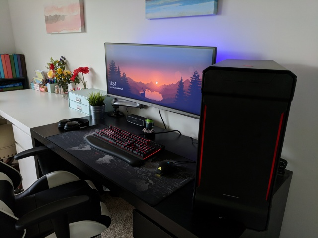 PC_Desk_UltlaWideMonitor26_45.jpg