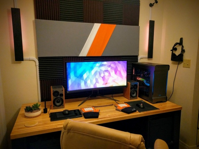 PC_Desk_UltlaWideMonitor26_69.jpg