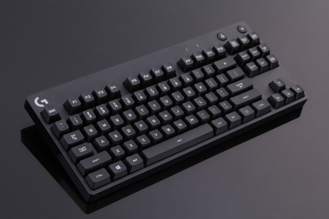 PRO_Tenkeyless_Mechanical_Gaming_Keyboard_02.jpg
