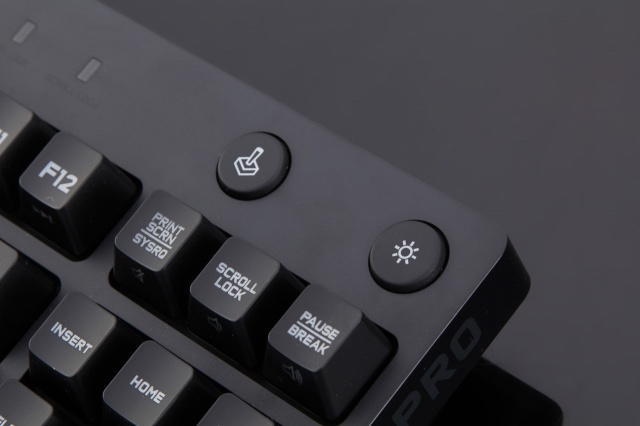 PRO_Tenkeyless_Mechanical_Gaming_Keyboard_05.jpg