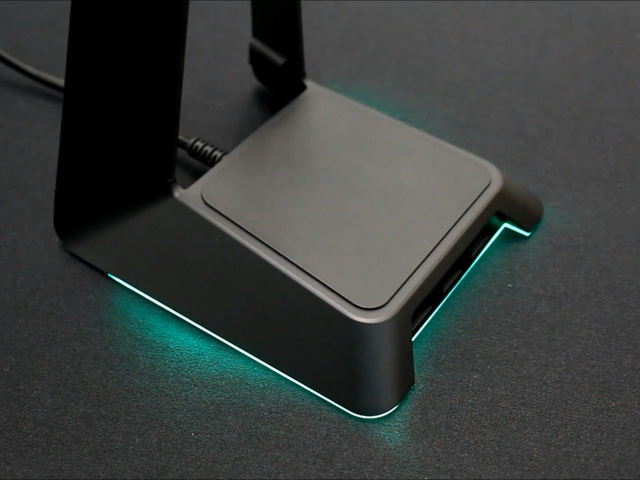 Razer_Base_Station_Chroma_09.jpg