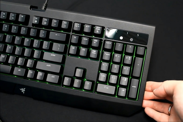 Razer_BlackWidow_Ultimate_2017_03.jpg