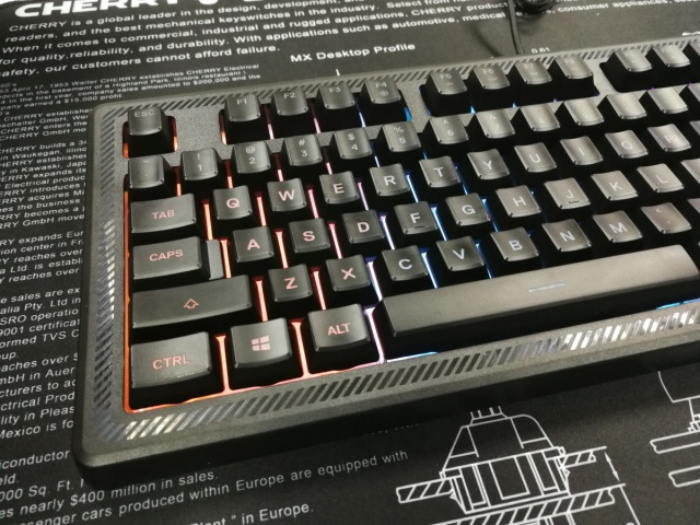 SteelSeries_Apex_150_05.jpg