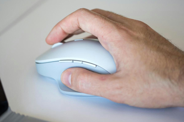 Surface_Precision_Mouse_06.jpg