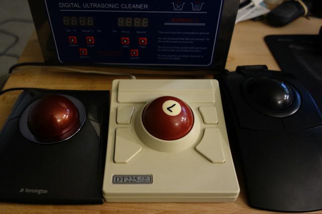 Trackball03_28.jpg