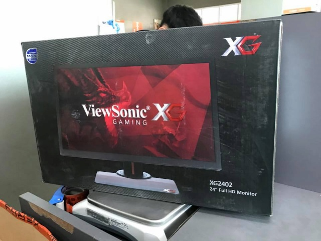 XG2402_01.jpg