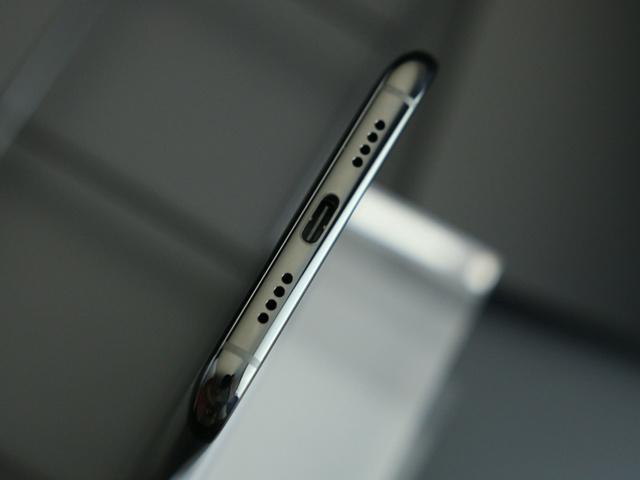 Xiaomi_Mi6_05.jpg