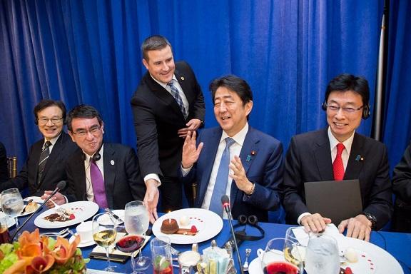 米国「安倍首相、おめでとう!」 トランプ大統領が安倍総理の誕生日をサプライズで祝福 「日米が組めば敵なしだ!」 日米の蜜月ぶりにトランプ支持者から喜びの声
