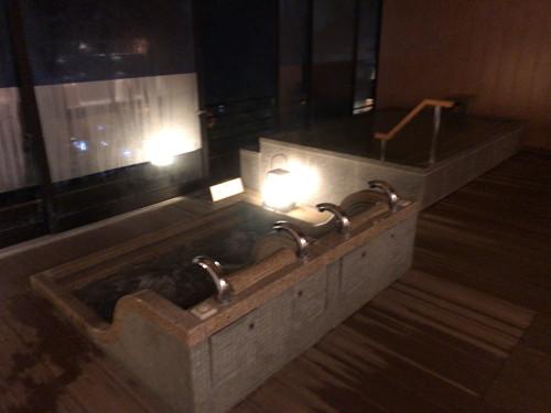 ホテル 木暮 (温泉、貸切露風呂と関越道上里SAランチ)