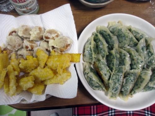 饅頭の天ぷらと餃子